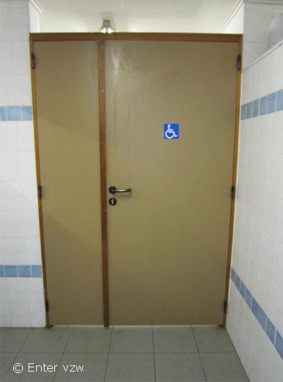 Toegangen en deuren toegankelijke jeugdlokalen - Een helling aanpassen ...